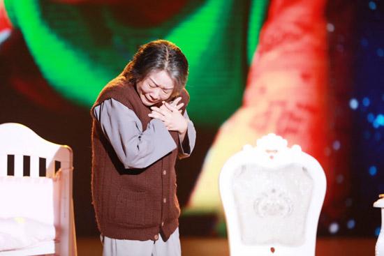 蔡明挑战艺术生涯最高峰 刷新《笑声》高票纪录