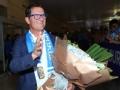视频-苏宁新帅卡佩罗抵南京 球迷欢唱热烈欢迎