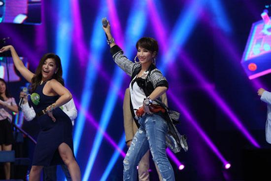 菲律宾美女教李玟跳广场舞 韩红汪涵挑战钢管舞