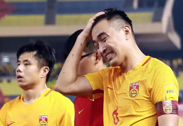 萨利赫的一脚踢碎了国足球迷的心,也基本踢碎了85黄金一代仅存的几名佼佼者的世界杯之梦。