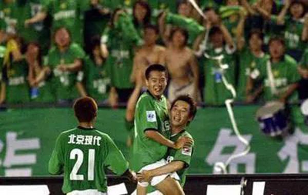 黄博文16岁完成职业联赛进球。