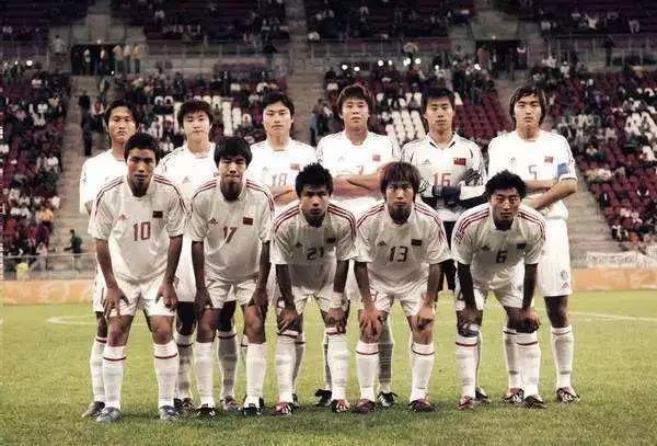 冯潇霆说的对,中国足球的路还长。