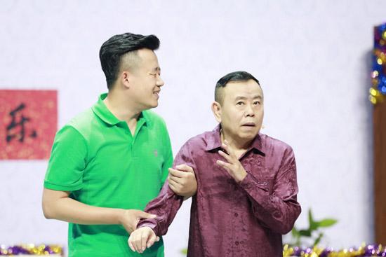 《笑声》潘长江高手出手 当众表白新锐女选手