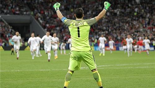 先赢梅西再胜C罗 被低估无碍智利成为巨星杀手