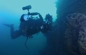 爱上水下摄影探险的摄影师