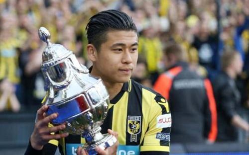 张玉宁随队获得荷兰杯冠军。