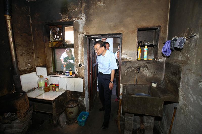 棚户居民惊诧:真没想到总理对我们日常生活这么清楚!