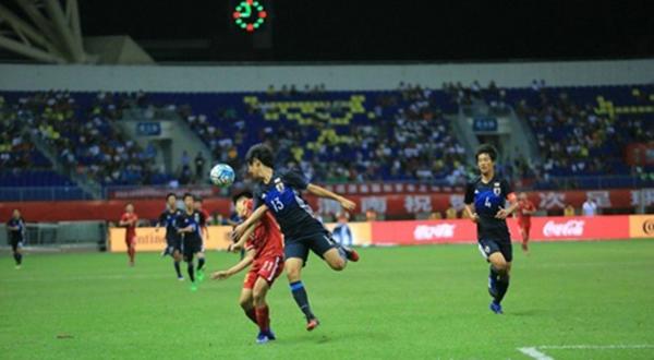 中国U16男足在全场被动,被日本队以4:0击败。