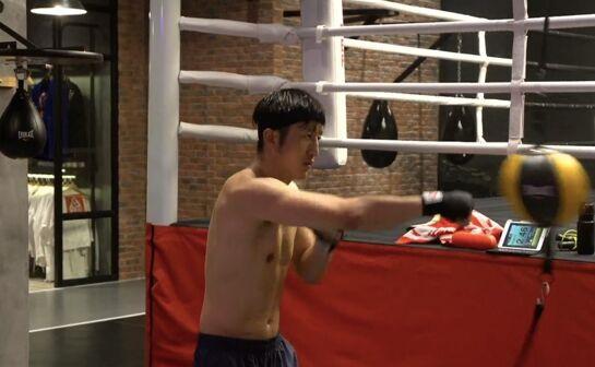 日本强敌即将抵沪 邹市明备战拳盟中华巅峰对决