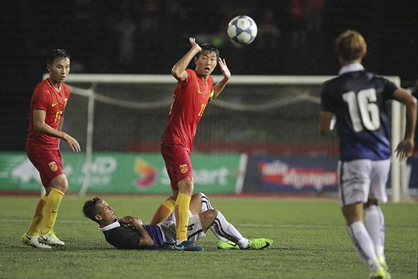 中国队是明年U23亚洲杯东道主,不过依然决定出战预选赛来达到锻炼队伍的目的,亚足联赛前也对中国队给予很大关注,在盘点本次亚洲杯预选赛值得关注的球员时,亚足联特地把中国队的韦世豪放在首位。