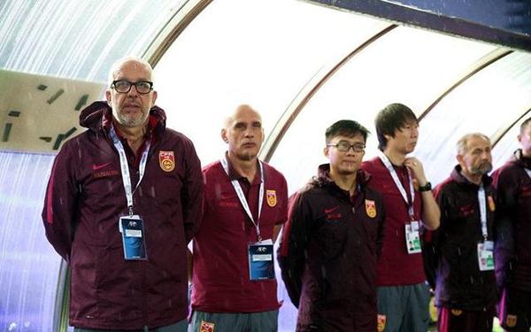U23国足采用了成年国足的教练班底。