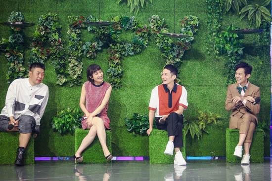 《快本》导演组夺主持权 快乐家族签署保证书