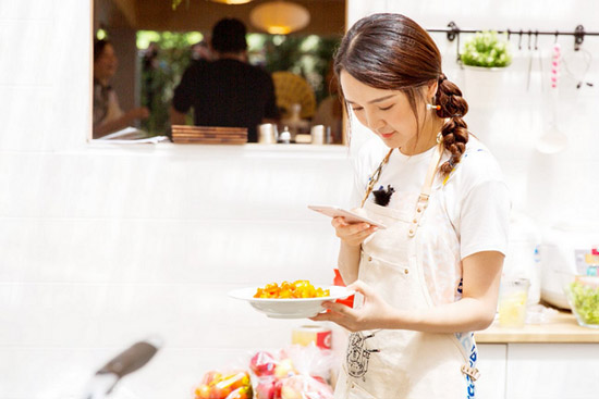 《中餐厅》靳梦佳张亮做同款菜 靳梦佳甘拜下风
