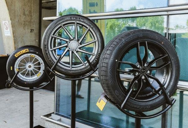 佳通通过不断收集各赛事中的轮胎数据,并将精华尖端技术转化到民用胎领域