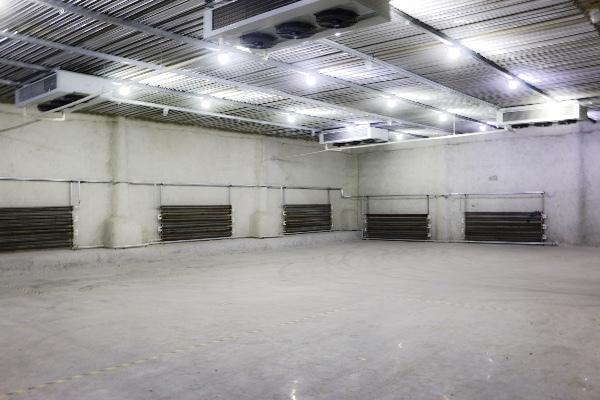 目前已投入运营的一期冷库面积达5000平,其中包含0~5℃冷藏库、2~8℃高温库、-18~-23℃冷冻库,以及-45℃超低温速冻库。仓储温度全面,充分满足各类客户使用需求。二期冷库计划面积3000平,目前已进入筹建阶段,以满足日益增长的客户需求。