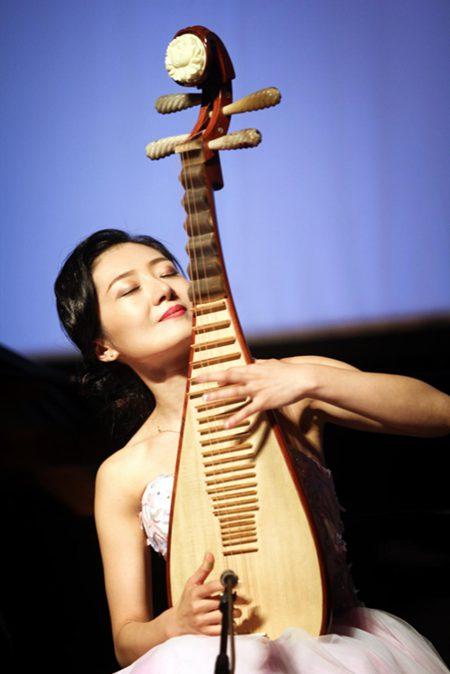 彝族电影_权娉个人琵琶独奏音乐会 奏响重庆大剧院-搜狐音乐