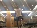 视频-野兽还在练肌肉!慈世平自拍健身视频