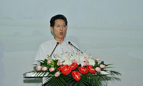 中国青基会常务副秘书长杨晓禹在开营仪式上致辞