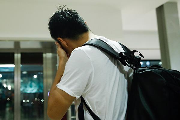 赛后冯潇霆接受采访伤心落泪。 视觉中国 图