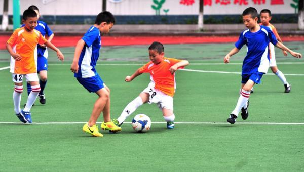 培养健康向上的足球文化