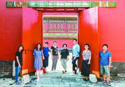 """故宫博物院资料信息部数字传媒组的团队成员,都是清一色的""""80后""""。"""