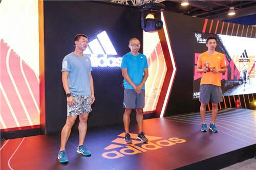 """资深跑者于嘉与大家分享在跑马过程中的""""撞墙""""体验"""