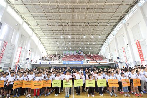 世界冠军王楠为孩子搭体育平台 小球大爱之沈阳站启动