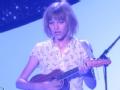 《艾伦秀第15季片花》S15E10 达人秀冠军女孩献新单曲用奖金做慈善