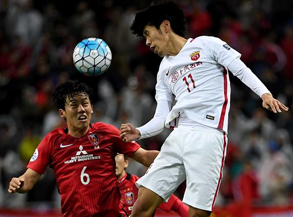 吕文君(右)或将继续顶替埃尔克森出场。 本文图片 视觉中国