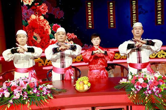 回族重刀传人展现力量美 潘长江演绎华阴老腔