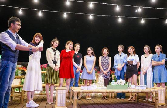 《我来2》众人变朗读者 东山岛夜半诗享会上演
