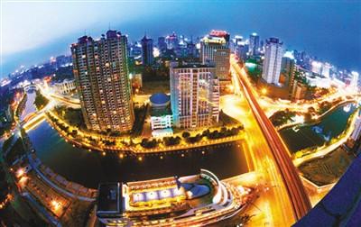 中国共产党近五年中另一个成就是在创新方面。从企业到政府机构都在尝试,取得很大成绩。