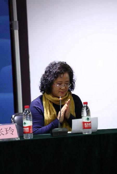 学员代表北京北图文化发展中心总经理牛春兰发言