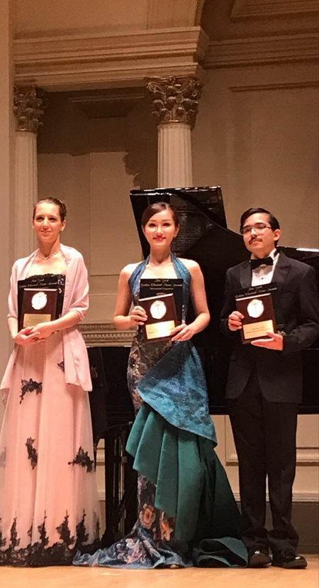 陈紫妍获国际声乐奖项 天籁歌声唱响卡內基音乐厅