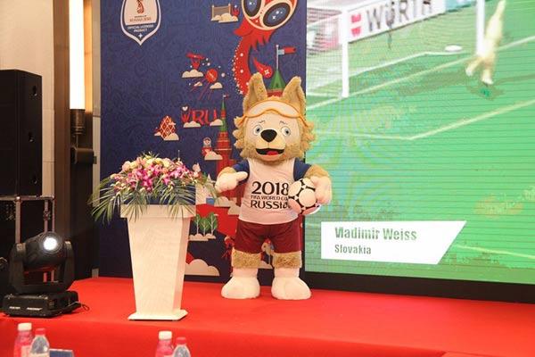 孚德体育再次获得世界杯吉祥物全球独家授权