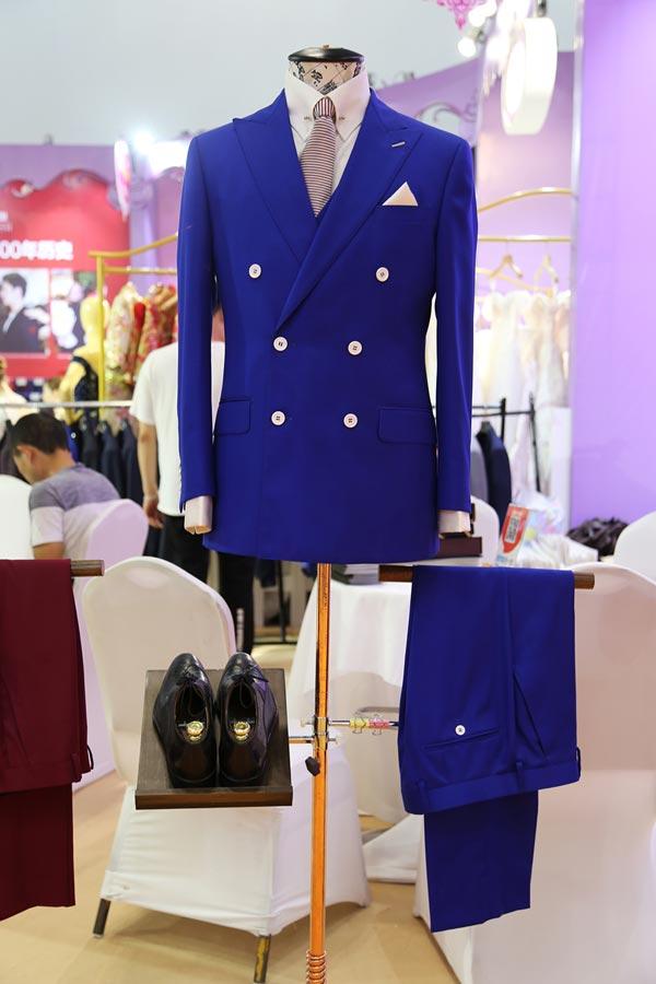 """男士高端礼服定制区,让每一位新郎都成为""""时尚先生"""""""