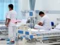 泰国少年足球队获救后接受治疗 带队教练获原谅