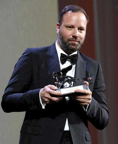 欧格斯-兰斯莫斯《宠儿》摘得评审团大奖
