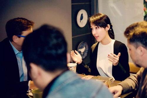 2017年3月,platige视效团队来上海会面,并与制作人李童女士共同探讨对《三体‖:黑暗森林》的构思