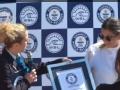 加贝拉刷新女子冲浪最高吉尼斯纪录