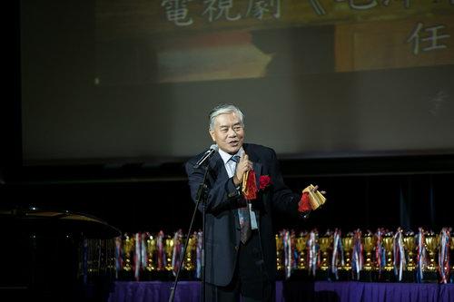 大赛评委,演员-张元鹏在颁奖典礼上表演快板