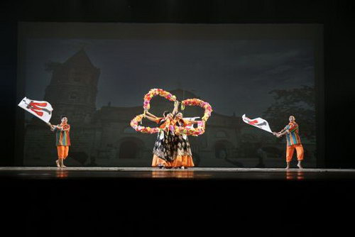 菲律宾莱西姆大学莱兴八打雁舞蹈团《subli》