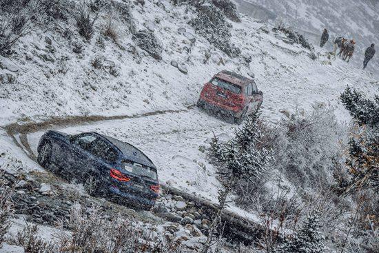 全新BMW X3雪地越野