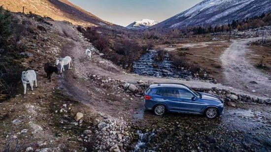 高峡冰川,山石雪地,全新BMW X3驶向伟大自然