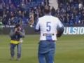 撒狗粮!莱加内斯球迷在主场求婚