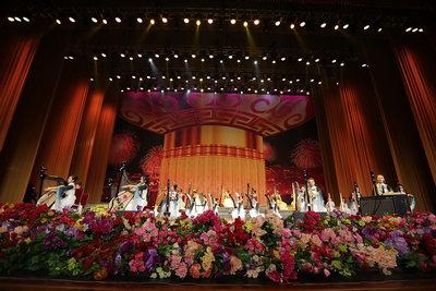 世界箜篌演奏家崔君芝教授携60名箜篌传承人现场演奏《我的祖国》