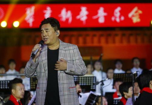 著名歌手吕方(中国香港)