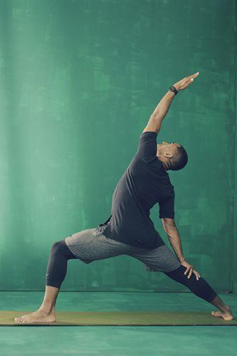 专为瑜伽训练打造 耐克男女款瑜伽服将发售