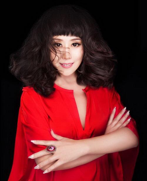 女高音歌唱家王威