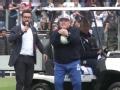 马拉多纳重回阿根廷执教 2万多名球迷到场支持